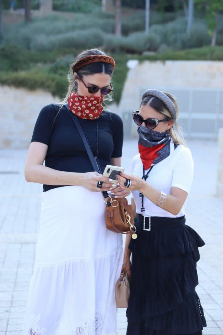 הפקת אופנה: כל מה שטוב בקורונה (והשראה לקיץ מלא בסטייל)